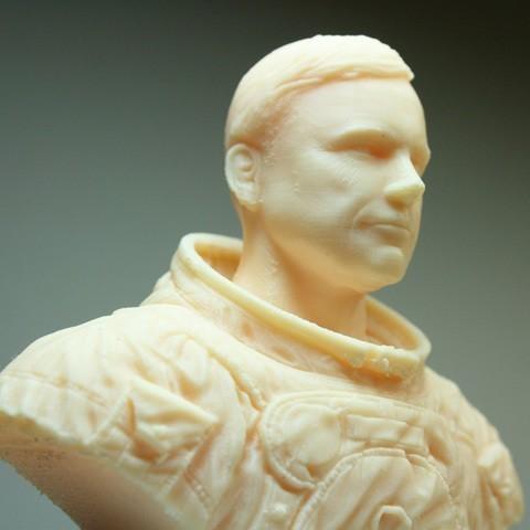 astronaut06.jpg Download free STL file Astronaut Bust • 3D printing design, LSMiniatures