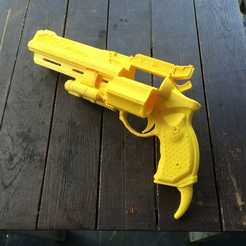 Free 3D printer model Full size Destiny Hawkmoon, Easton3D