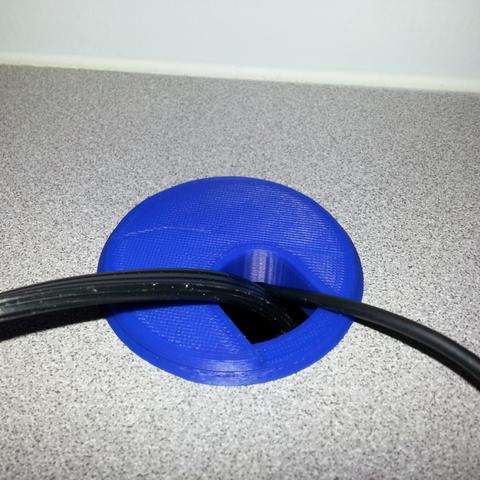 """Free 3D file 2"""" Desk Cable Grommet, JamieLaing"""