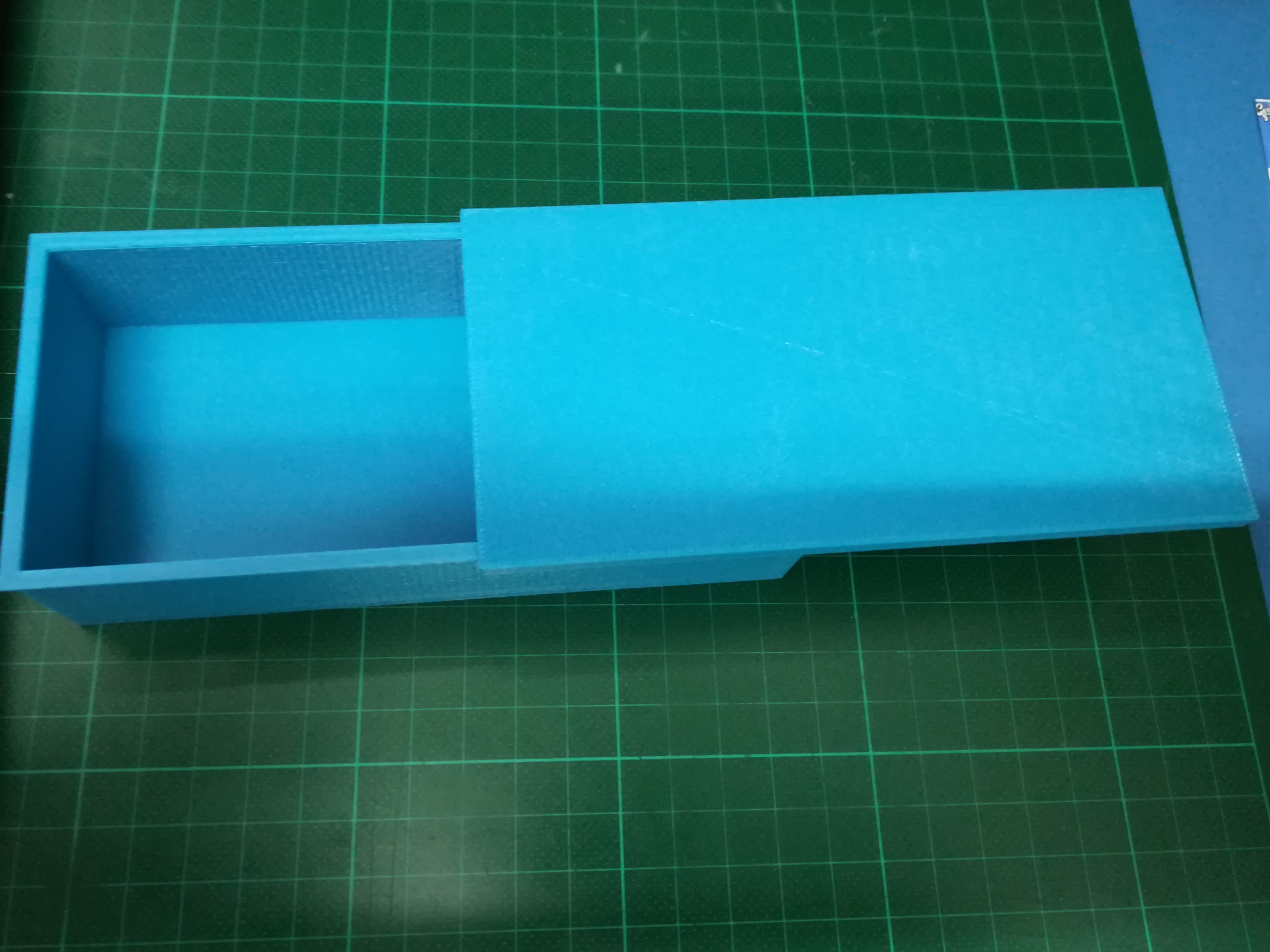IMG_20180904_214951.jpg Download free STL file Box with sliding lid • 3D printer object, Michael_moi