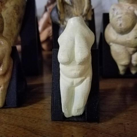 STL VENUS OF MORAVANY, ANCIENT PALEOLITHIC FEMALE FIGURINE, Anthrobones