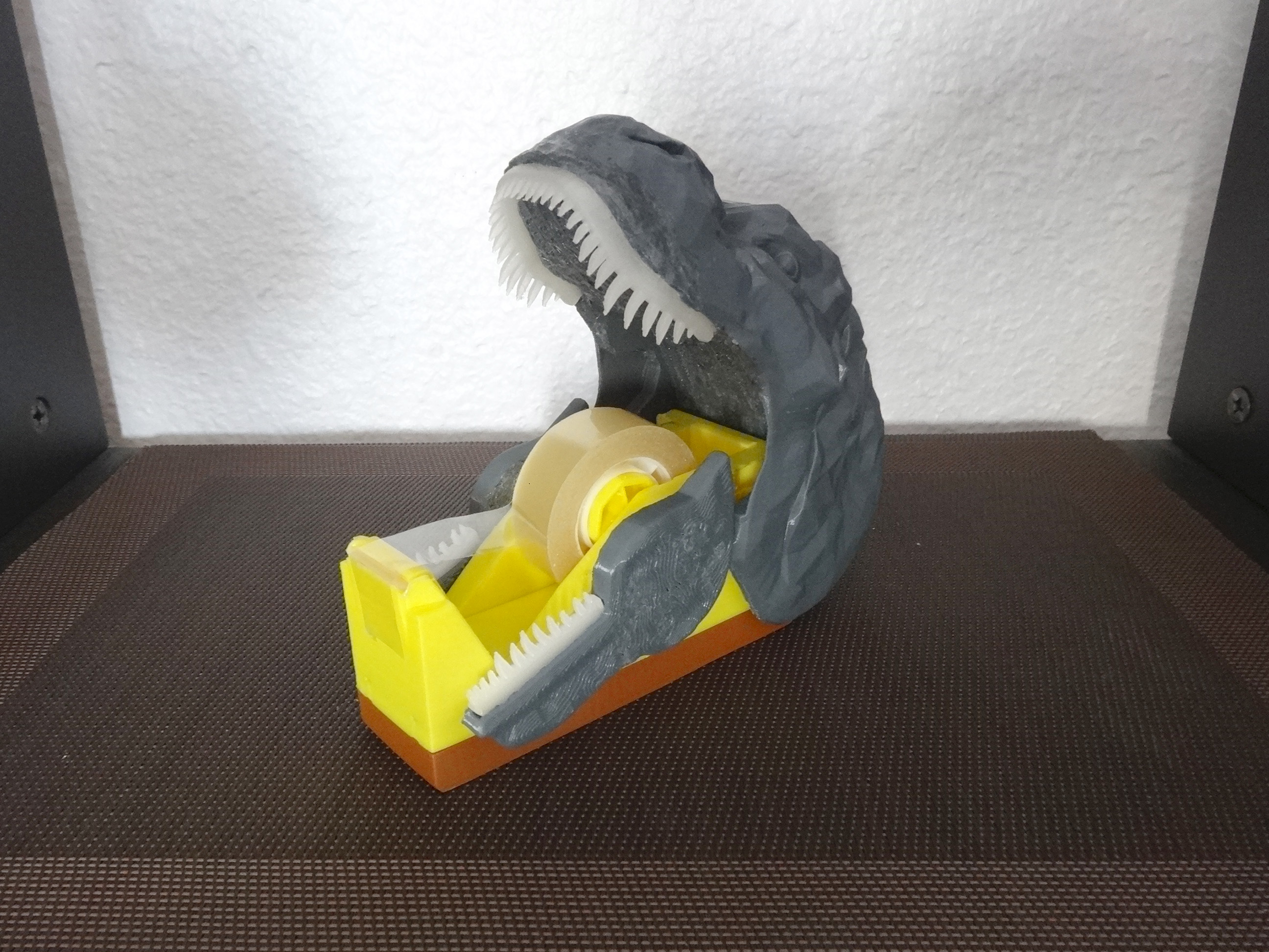 """DSC06914.JPG Télécharger fichier STL gratuit Dévidoir à scotch """"Monsteranimal T-Rex"""" • Modèle imprimable en 3D, Tibe-Design"""