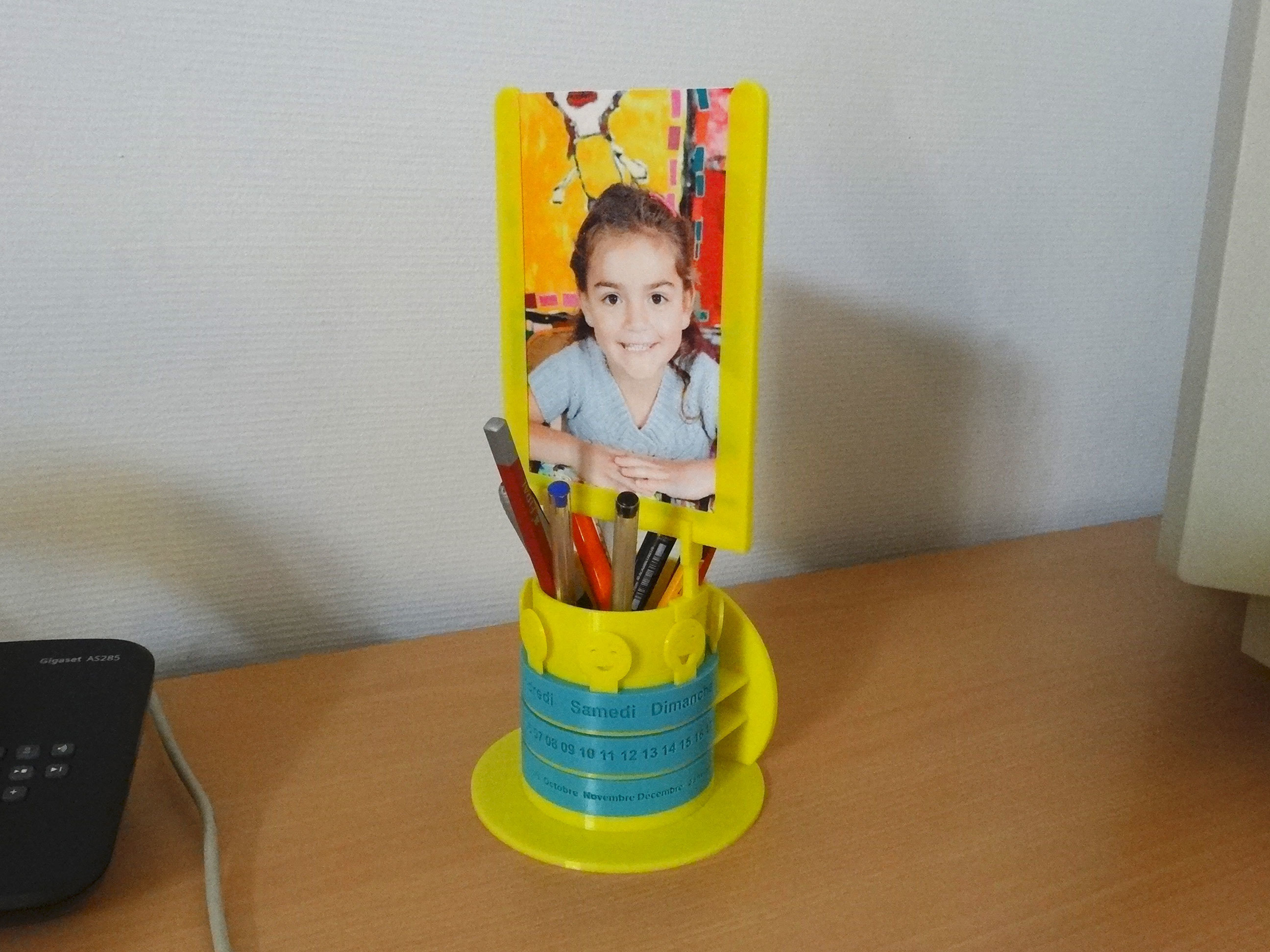 calendremo02.jpg Download free STL file Calendrémo pencil pot & photo stand • 3D print design, Tibe-Design