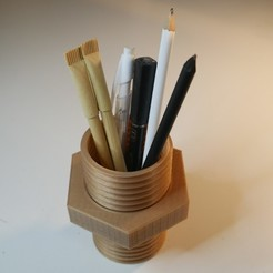 Free STL file Pencil holder screw, NikodemBartnik