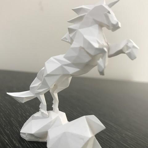 Low-poly unicorn