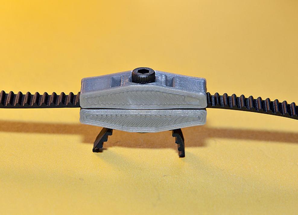 Capture d'écran 2017-08-28 à 14.09.57.png Télécharger fichier STL gratuit Tough Belt Clip • Design imprimable en 3D, MGX