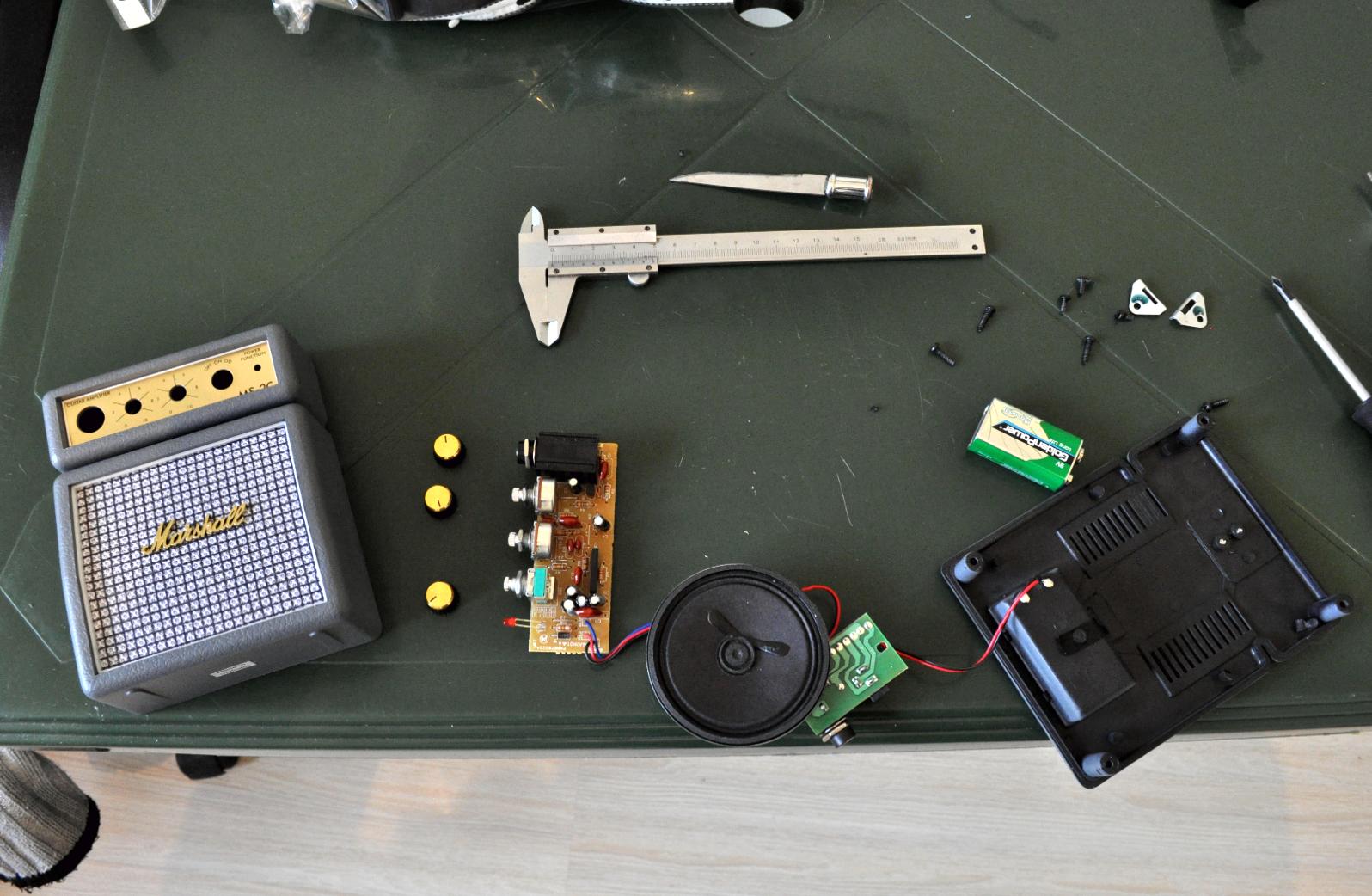 3.png Download free STL file Guitar with built in Amp and Speaker • 3D printable model, CrocodileGene3d
