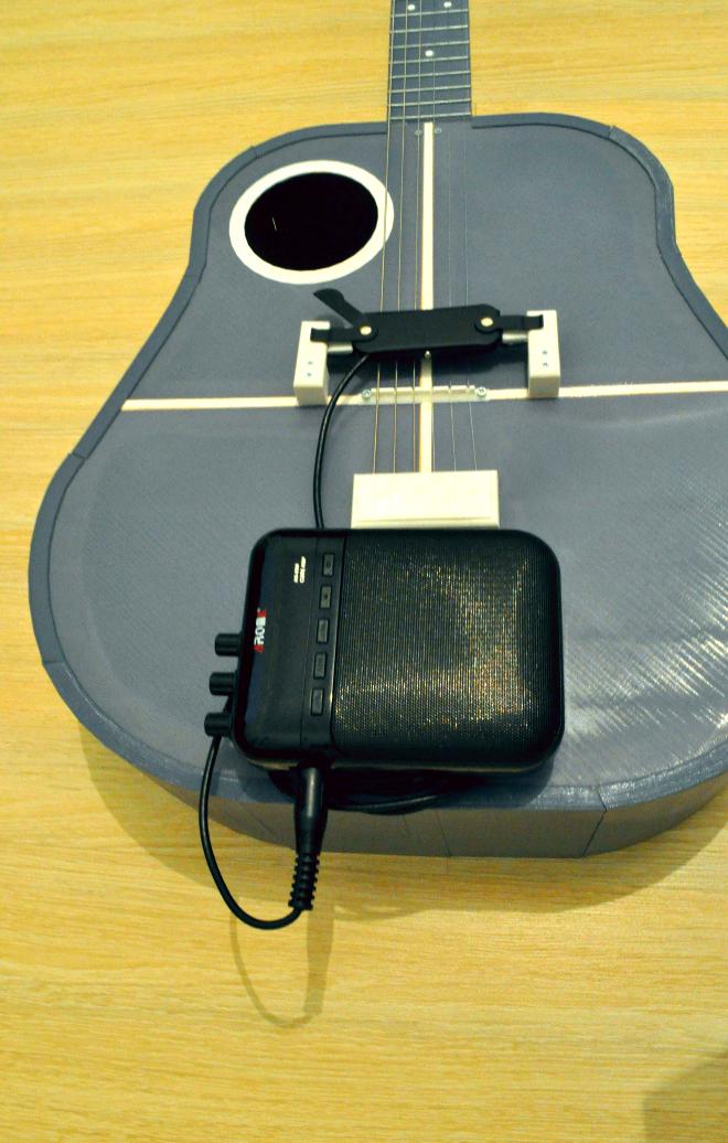 3.png Download free STL file Acoustic guitar with AROMA AG-03M amplifier • 3D printer model, CrocodileGene3d