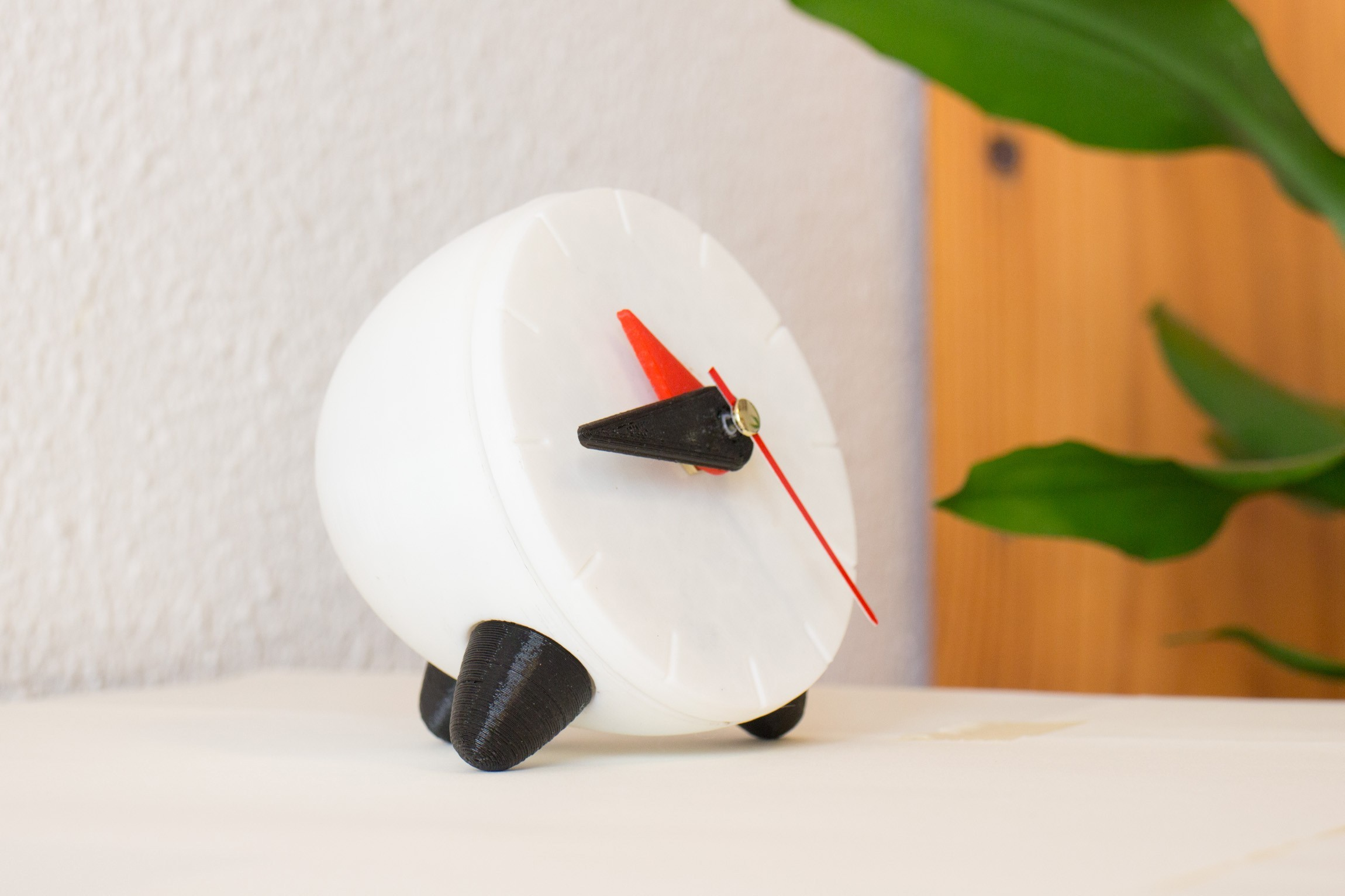 Thingiverse featured.jpg Download free STL file Functional Desktop/Bedside Clock • Model to 3D print, TonyLarsson