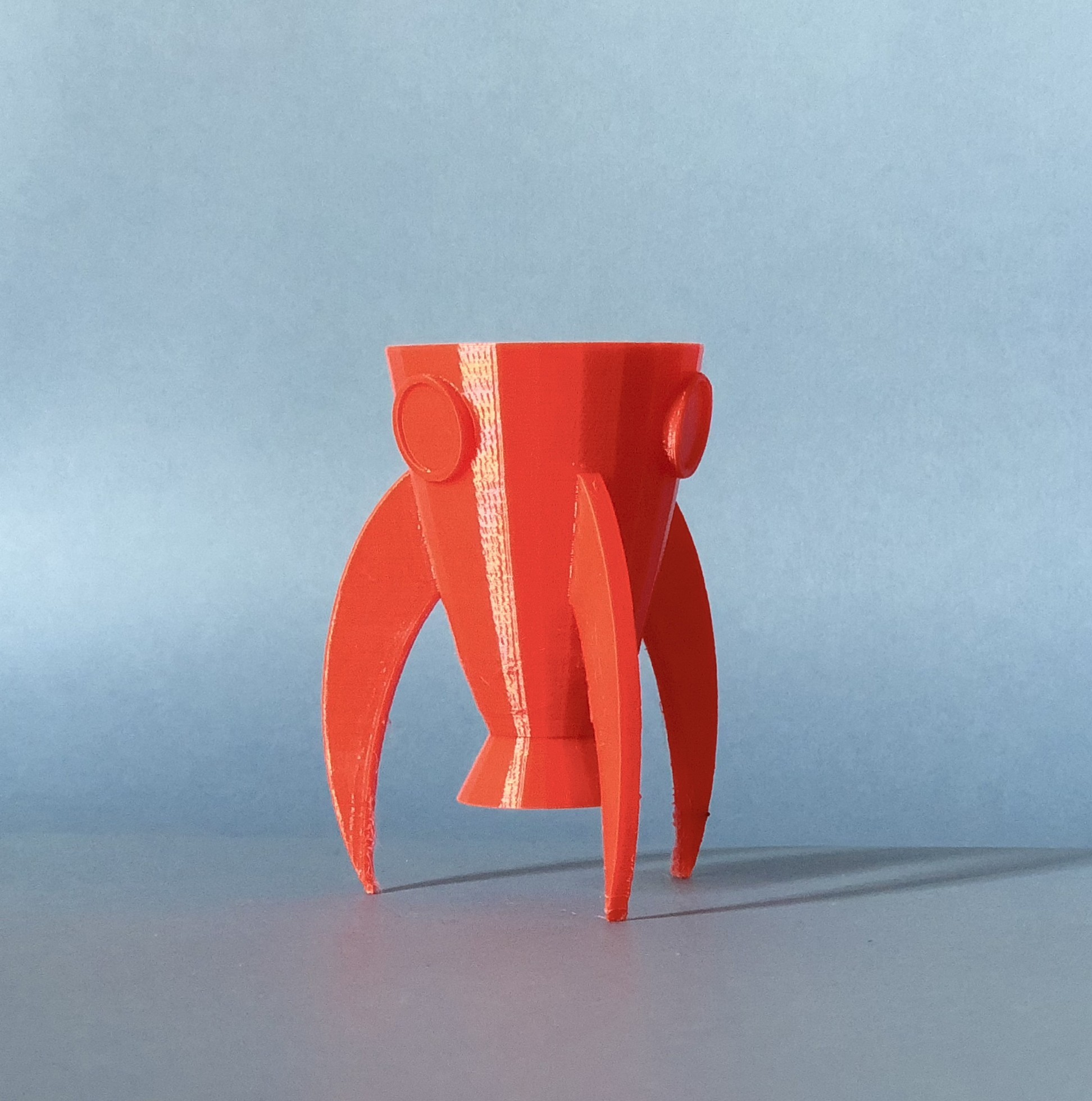 IMG_5529.jpg Download STL file Rocket Planter - lowpoly • 3D printable template, AnaSugar