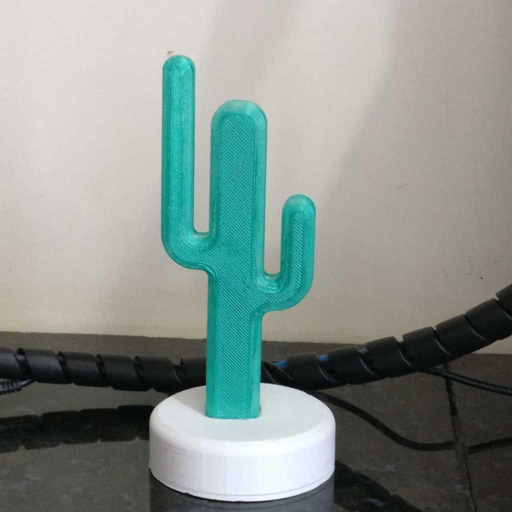 WhatsApp_Image_2019-02-20_at_08.59.20_1.jpeg Télécharger fichier STL gratuit Cactus desk lamp • Design pour impression 3D, BREMMALAN