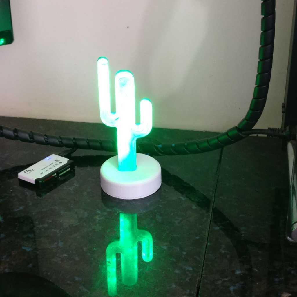 WhatsApp_Image_2019-02-20_at_08.59.20.jpeg Télécharger fichier STL gratuit Cactus desk lamp • Design pour impression 3D, BREMMALAN