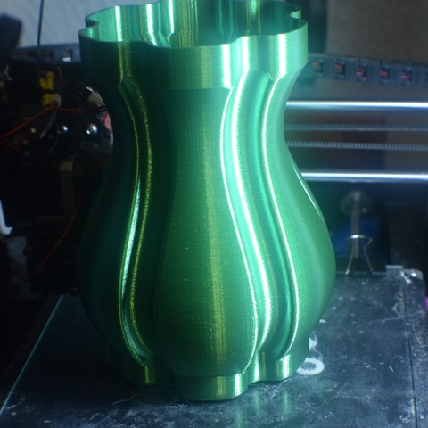 DSC_0071.jpg Download free STL file Tulip Vase • 3D printing object, ChrisBobo