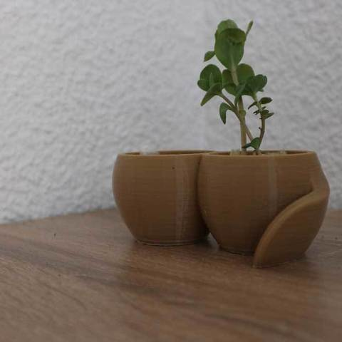 Free STL Plant pot with reservoir, Xertos-3d