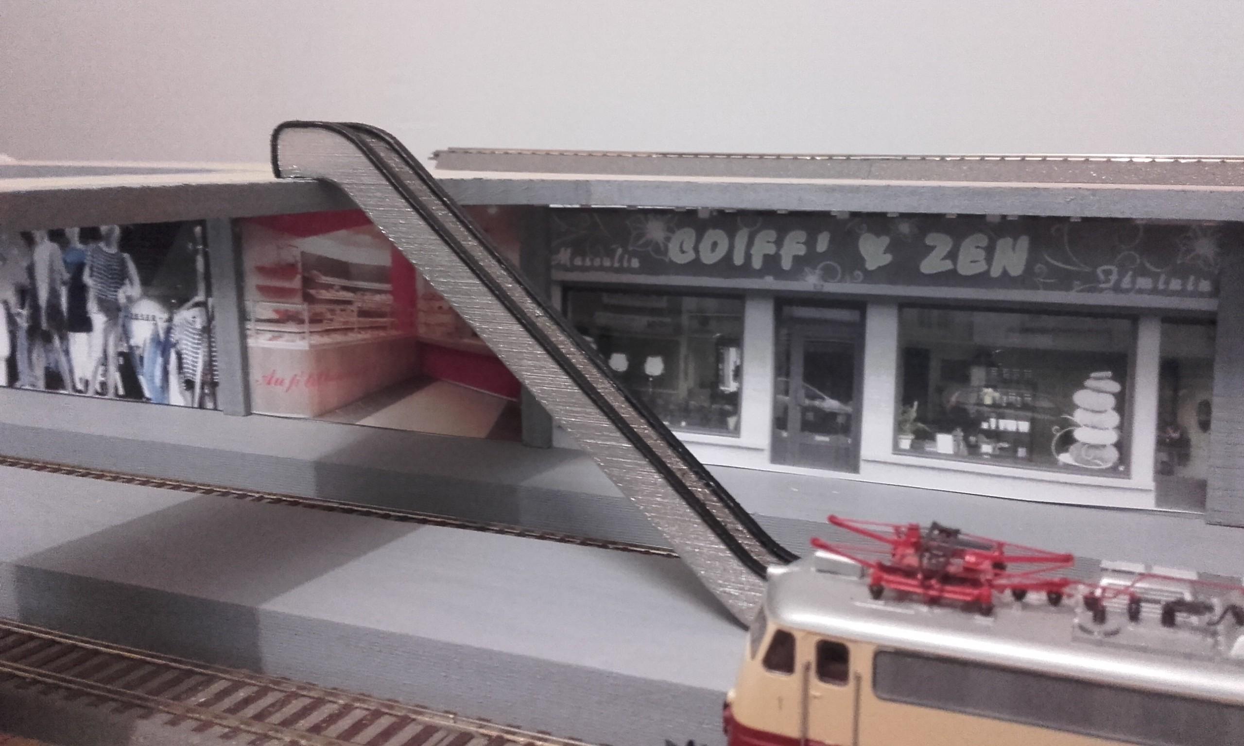 ecalator train 2.jpg Download free STL file Escalator • 3D printer design, Xertos-3d
