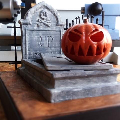 IMG_20171026_090211.jpg Download free STL file Halloween Grave • 3D print model, X3RPM