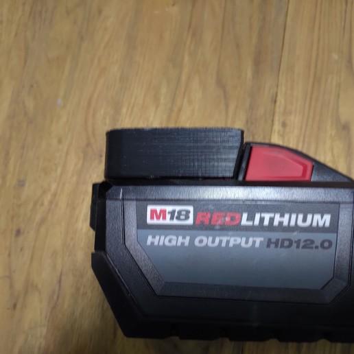 P_20200201_120655.jpg Télécharger fichier STL Porte-piles Milwaukee M18 • Objet imprimable en 3D, Punisher_4u