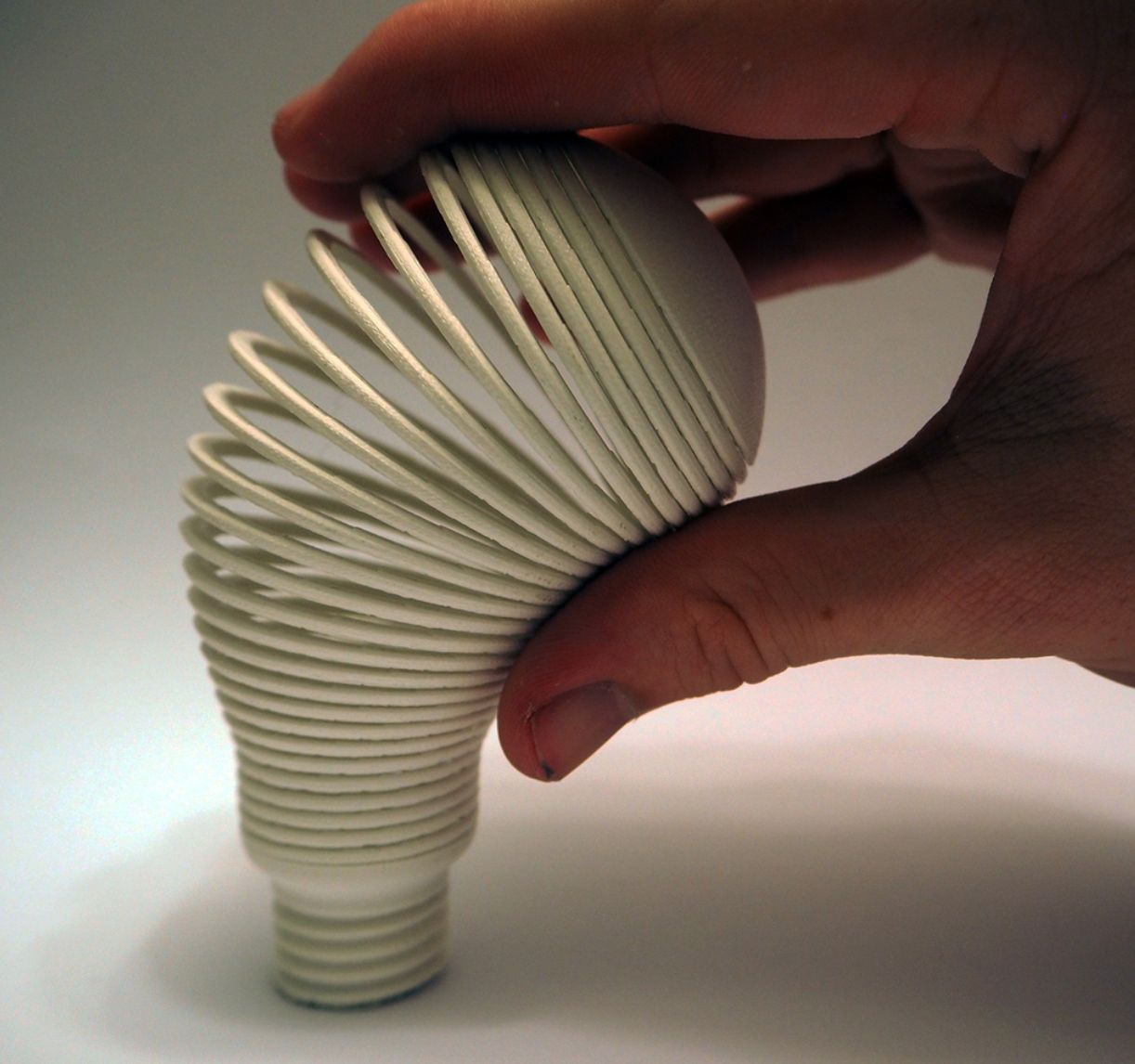 Capture d'écran 2017-11-06 à 09.24.52.png Download free STL file Light Bulb Sculpture 2 (Springo) • 3D printing object, Toomblercazz