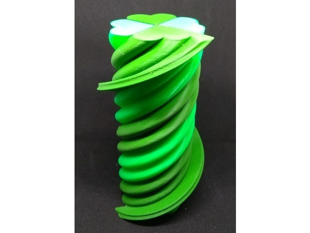 a0603d97e9c912db220a54553540e53f_preview_featured.jpg Download free STL file Twisted 4 Leaf Clover - Single Extruder • 3D print design, Bugman_140