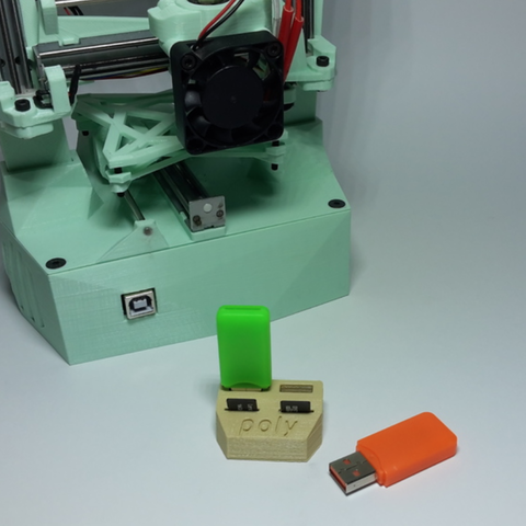 Free 3D printer file USB Poly Holder, Poly