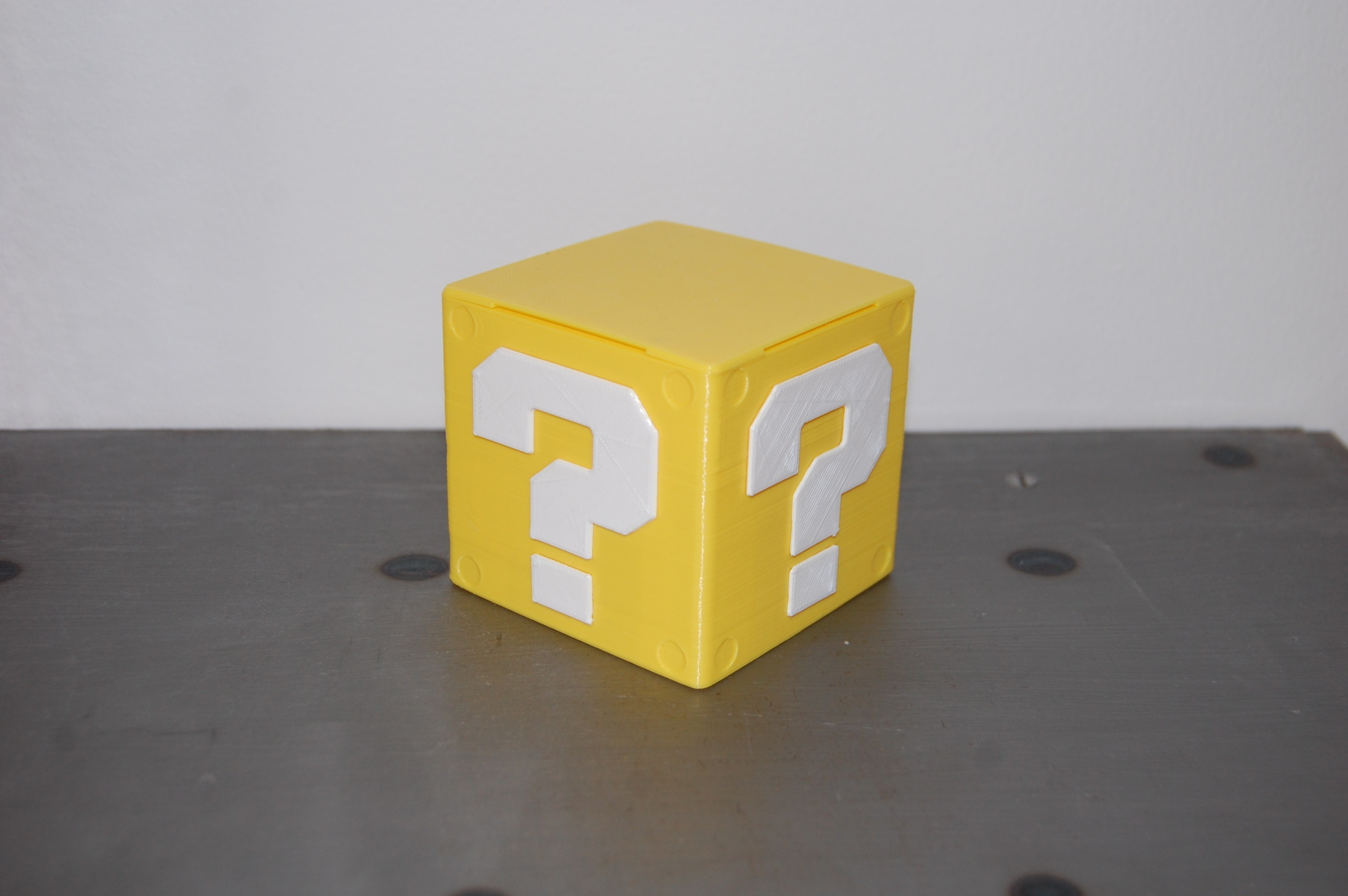 DSC_0179.JPG Download free STL file Mario USB Cube • 3D print design, 3DNaow