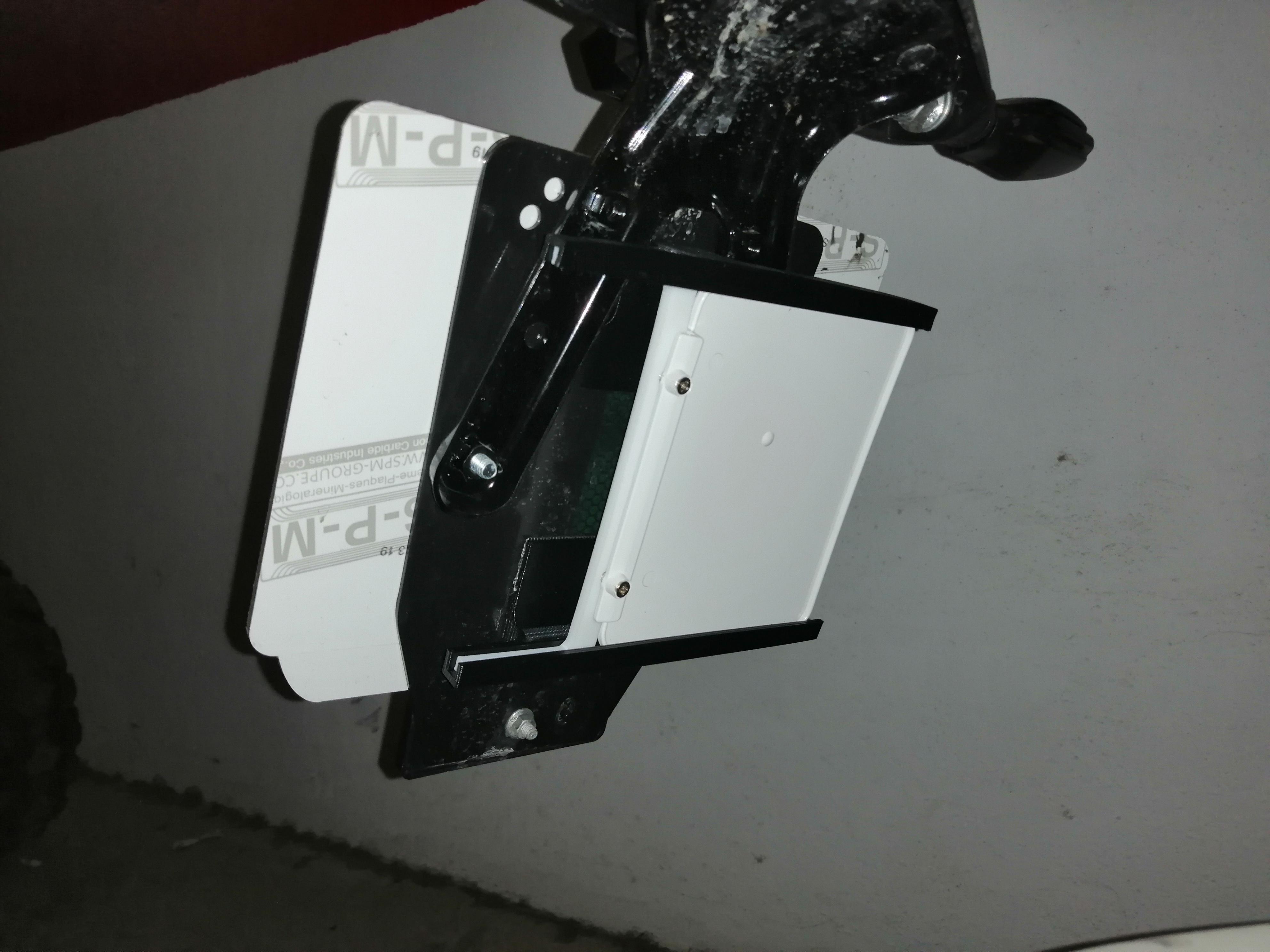 IMG_20200330_134439.jpg Télécharger fichier STL gratuit Support de plaque d'immatriculation de moto • Modèle à imprimer en 3D, Ginesor