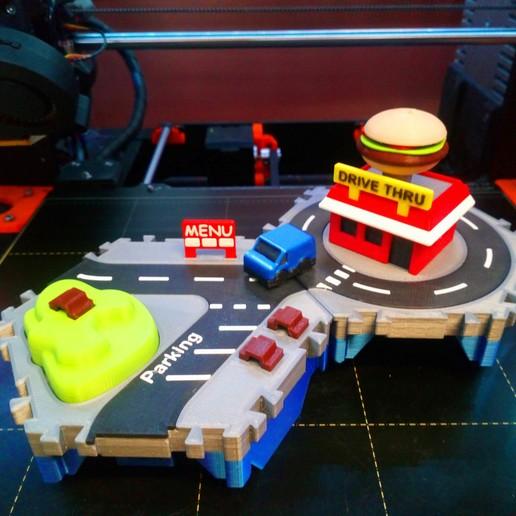 DSC_0912.JPG Télécharger fichier STL gratuit Petites villes - Burger Drive Through • Objet pour impression 3D, neil3dprints
