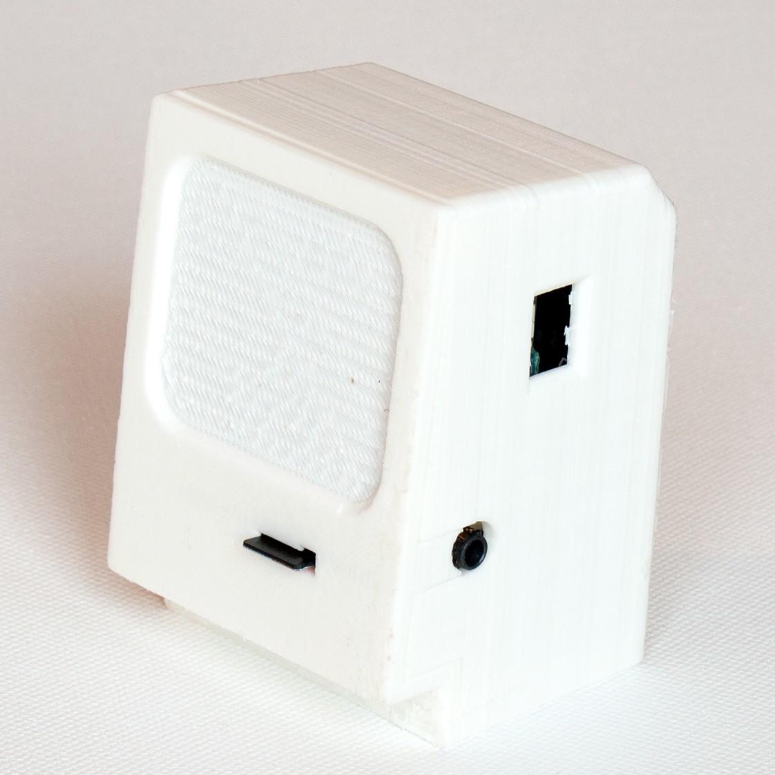 side view.jpg Télécharger fichier STL gratuit Mini Macintosh • Modèle à imprimer en 3D, GadgetsThatGo