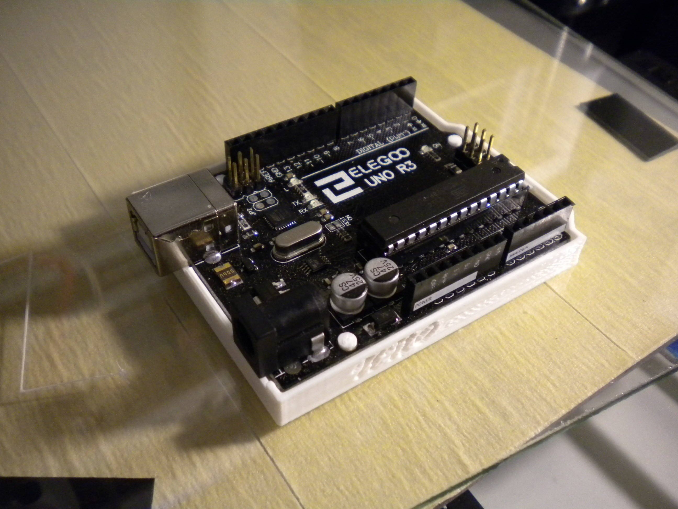 DSCN4166.JPG Télécharger fichier STL gratuit Arduino UNO • Design pour impression 3D, Chris48
