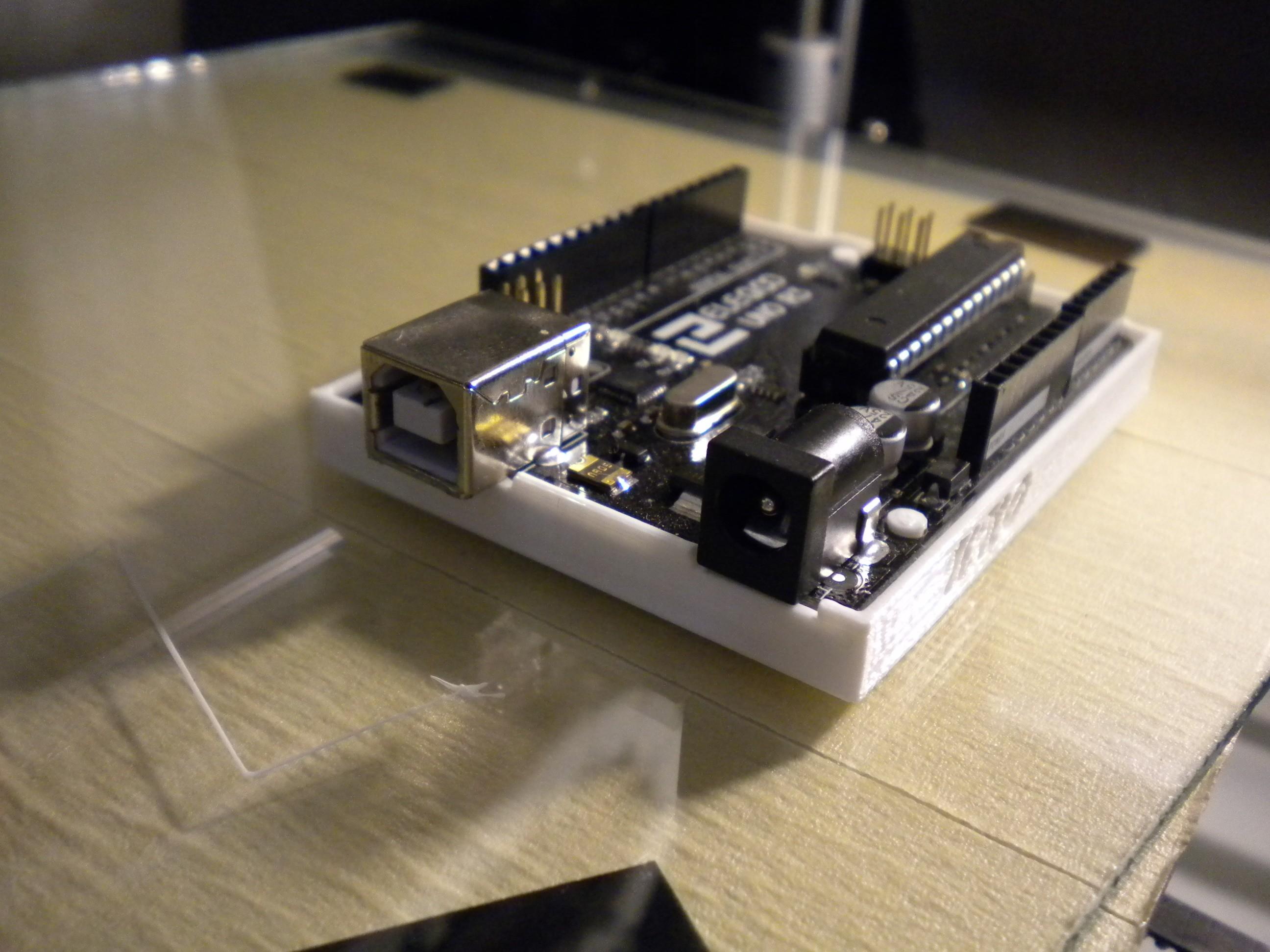 DSCN4167.JPG Télécharger fichier STL gratuit Arduino UNO • Design pour impression 3D, Chris48