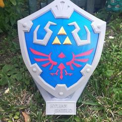 Download 3D printing designs The Hylian Shield from Zelda BOTW, DNAdesigns