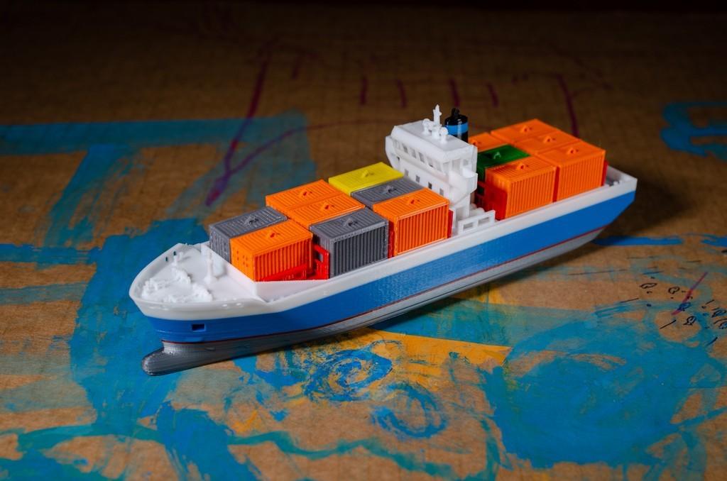 8b0613b2e697db139d8841998624e059_display_large.jpg Download free STL file EMMA - a Maersk Ship • 3D printable template, vandragon_de