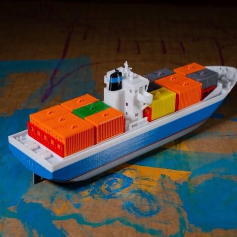22c1745ef70f1212a3afea05a476ef7c_display_large.jpg Download free STL file EMMA - a Maersk Ship • 3D printable template, vandragon_de