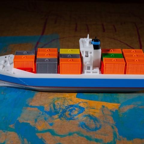 bd7728de402b68f5638405a1dcfe11ca_display_large.jpg Download free STL file EMMA - a Maersk Ship • 3D printable template, vandragon_de