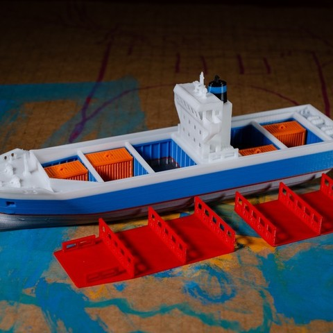 00f3d10600d0548cd7348c257c3b62a7_display_large.jpg Download free STL file EMMA - a Maersk Ship • 3D printable template, vandragon_de