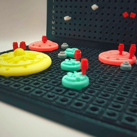 Find_My_Planets_7a_OK.jpg Download free STL file Find My Planets - Guessing Game (Battleship style) • 3D printer object, Relicae