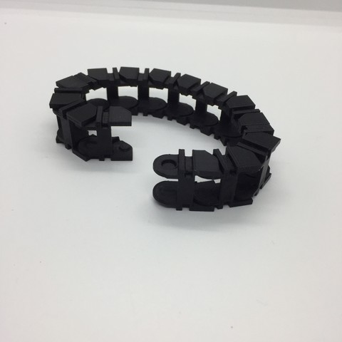 IMG_2107.JPG Download free STL file clips or drag chain • Design to 3D print, juanpix