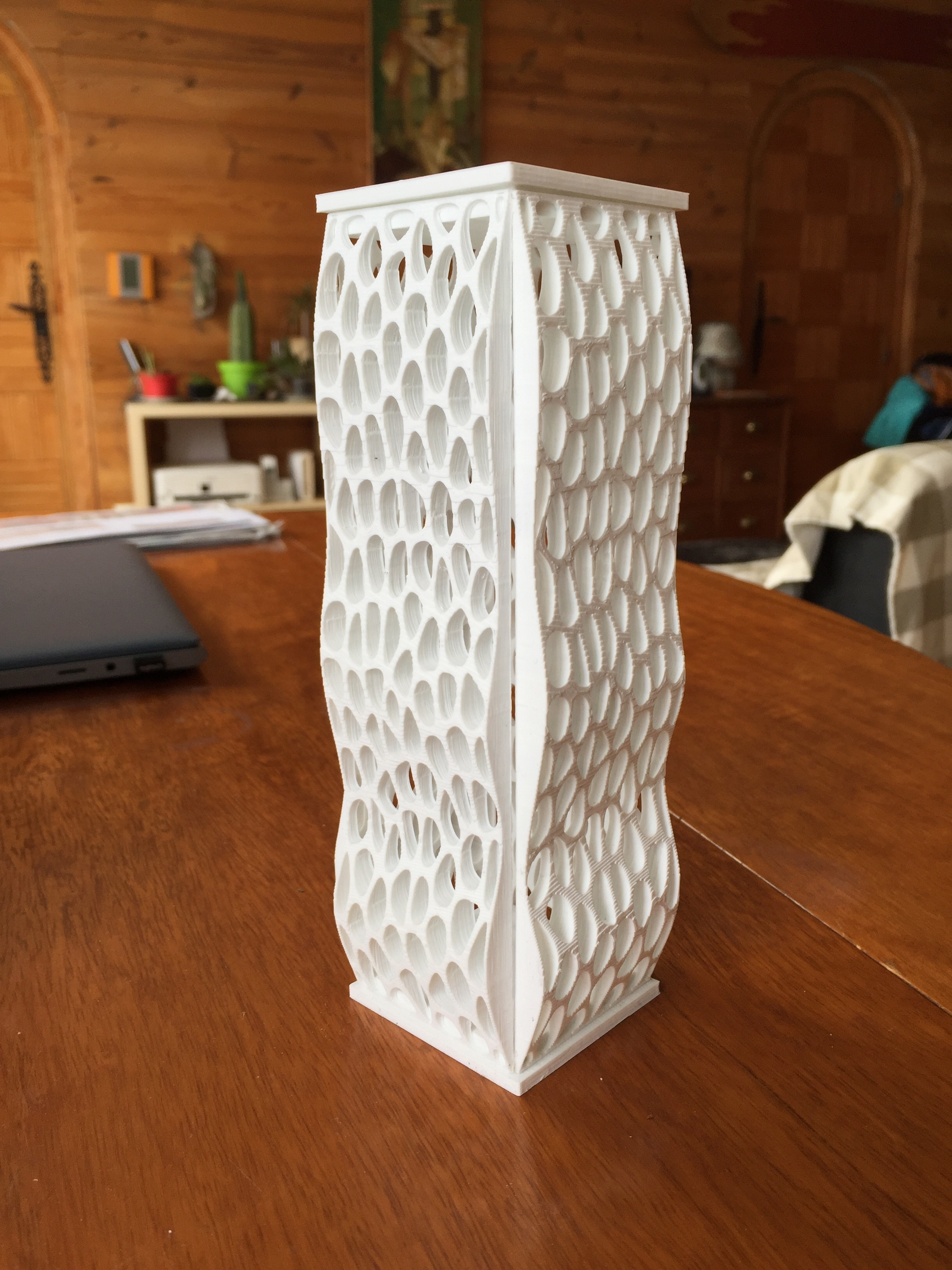 IMG_1838.JPG Download free STL file voronoi tower column • Object to 3D print, juanpix