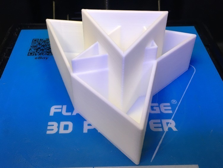 dbee0ed917b6d246c1d24280bbc17880_display_large.jpg Download free STL file Napoleon Triangle, Equilateral Triangle • 3D printing object, LGBU
