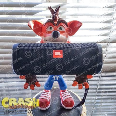 rend_5_large.jpg Download STL file Crash Bandicoot hold Nintendo Switch • 3D print model, emanuelsko