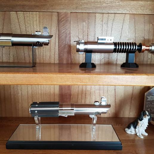 17200770_10206667039514502_768860488_o.jpg Download free STL file Lightsaber simple stand for both graflex and standard 40mm sabers • 3D print model, boryelwoc