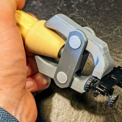 IMG_20200426_162529.jpg Télécharger fichier STL gratuit Vise à main imprimable • Modèle pour imprimante 3D, blecheimer