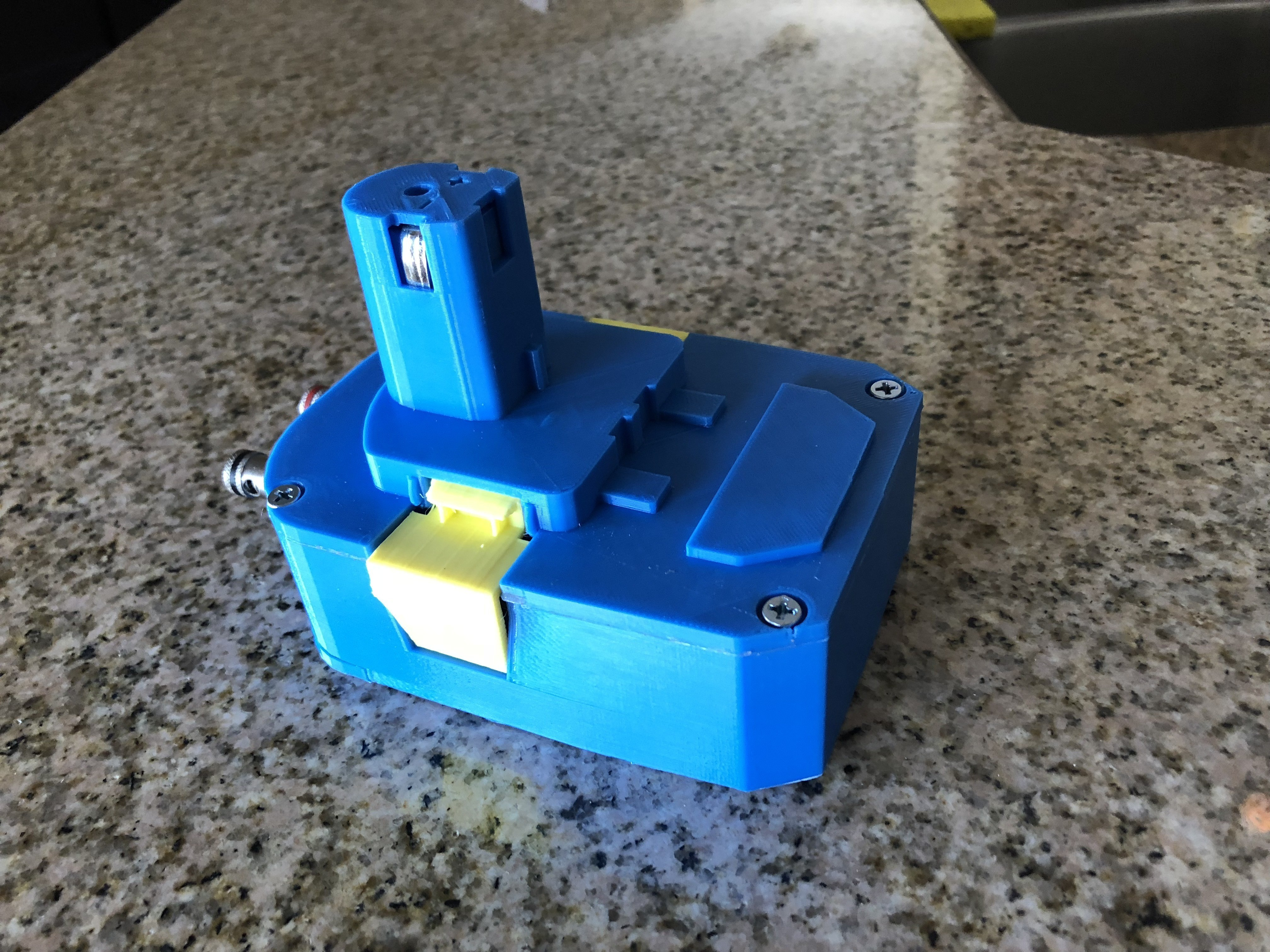 IMG_1694.jpg Download free STL file Ryobi Battery Pack to AC Adapter • 3D print object, MeesterEduard