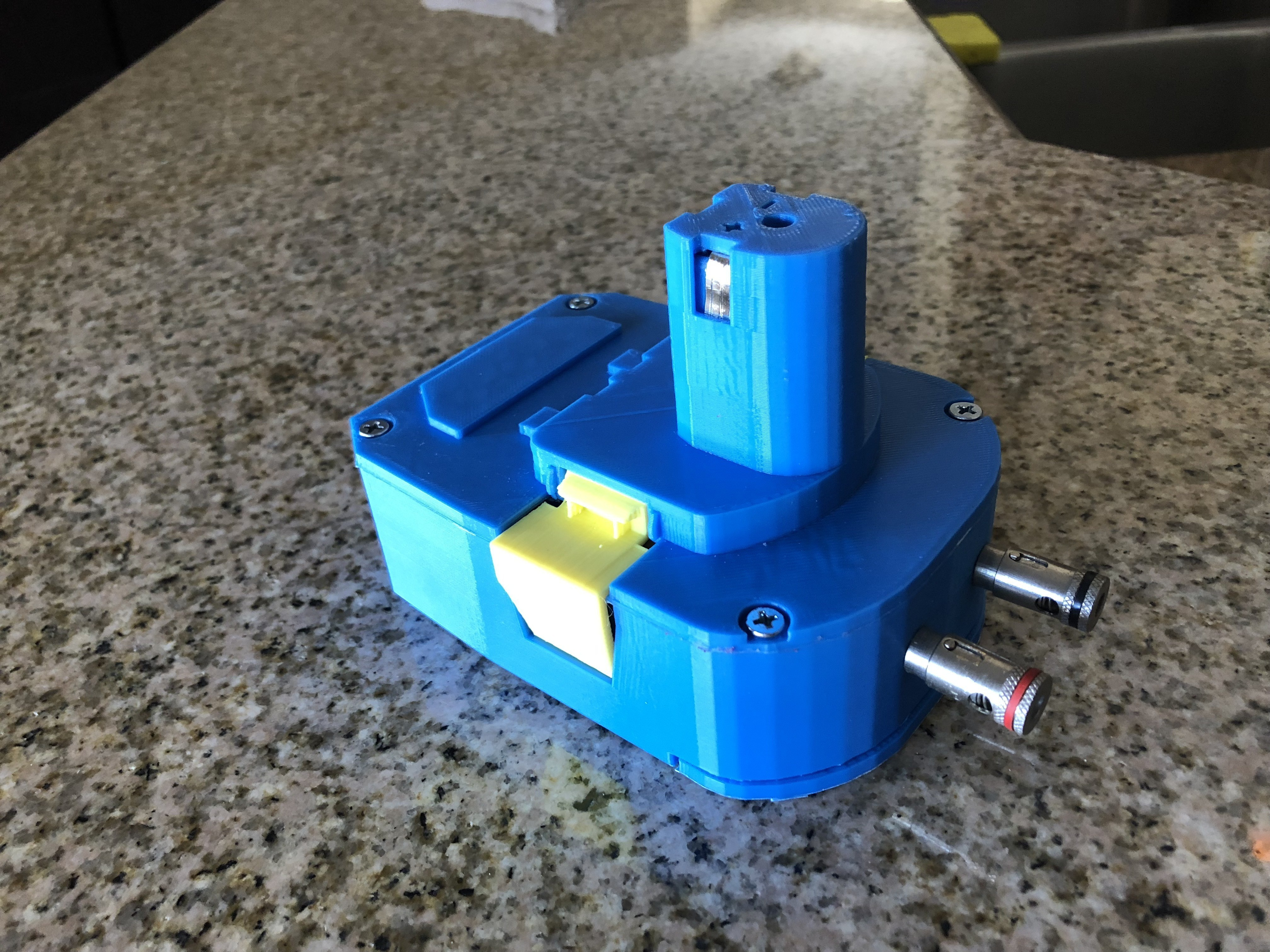IMG_1695.jpg Download free STL file Ryobi Battery Pack to AC Adapter • 3D print object, MeesterEduard
