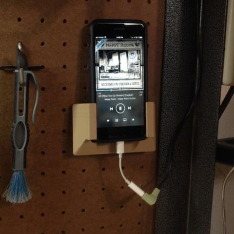 Free 3D printer file Larger iPhone Pegboard Holder, MeesterEduard
