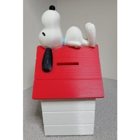 5687788bf6cedac5922ab668bdac3f8b_preview_featured.jpg Download free STL file Snoopy on Doghouse Bank • 3D print object, lowboydrvr
