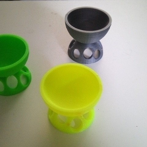 Download free 3D printer designs egg cup, rfbat