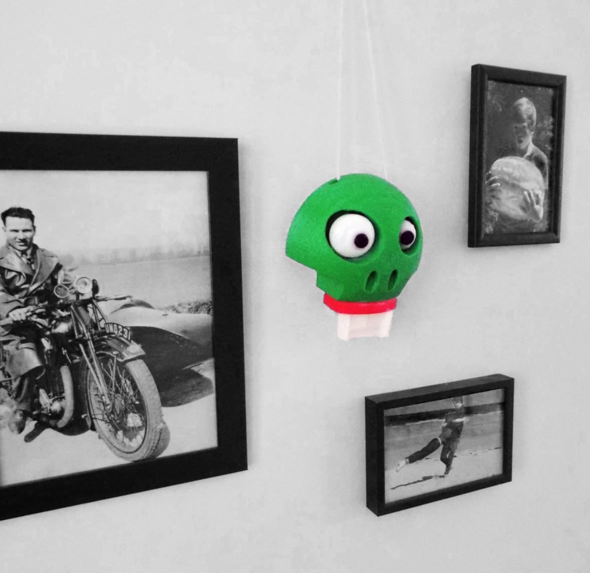 Capture d'écran 2018-01-26 à 16.02.32.png Download free STL file Halloween Glow in the dark wall/door hanger (Skelton) • 3D print object, Pongo
