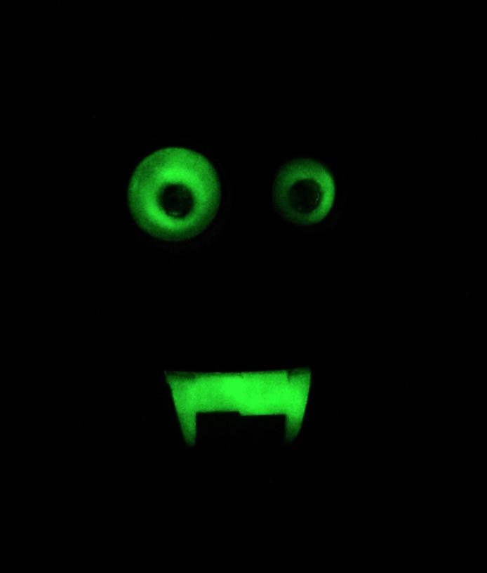 Capture d'écran 2018-01-26 à 16.02.43.png Download free STL file Halloween Glow in the dark wall/door hanger (Skelton) • 3D print object, Pongo