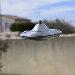 Archivos 3D Platillo volante con suspensión para OVNIs, darkunu